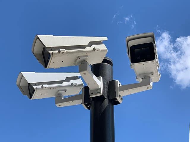 640px Caméras De Surveillance à Lyon Près Des Halles Paul Bocuse (mai 2019)