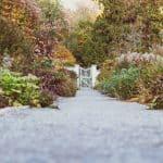 Les astuces pour embellir son allée de jardin